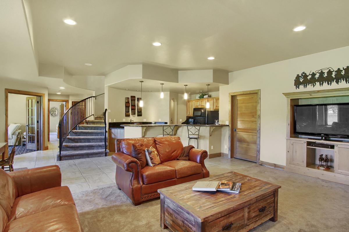 Spectacular Horse Property luxury homes