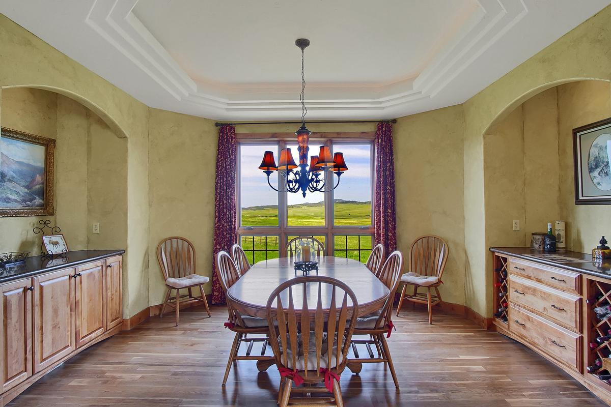 Award Winning Mountain Design on 40 Acres luxury real estate