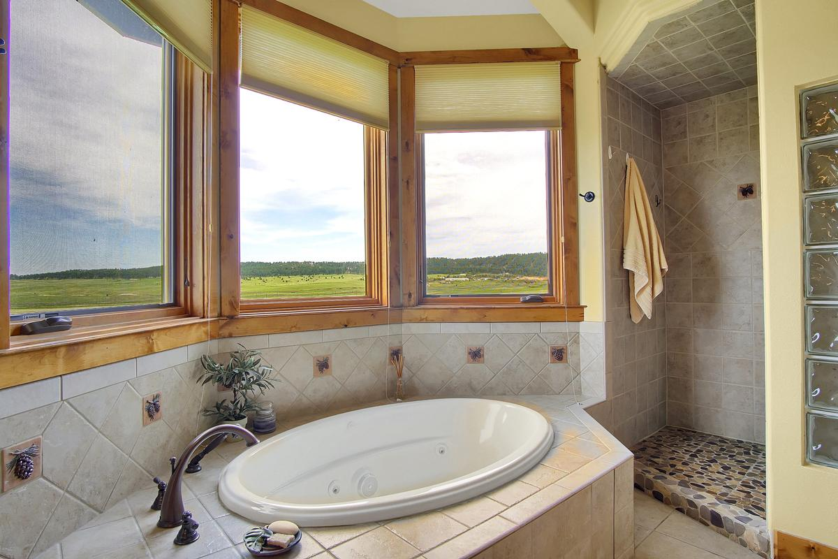 Award Winning Mountain Design on 40 Acres luxury homes