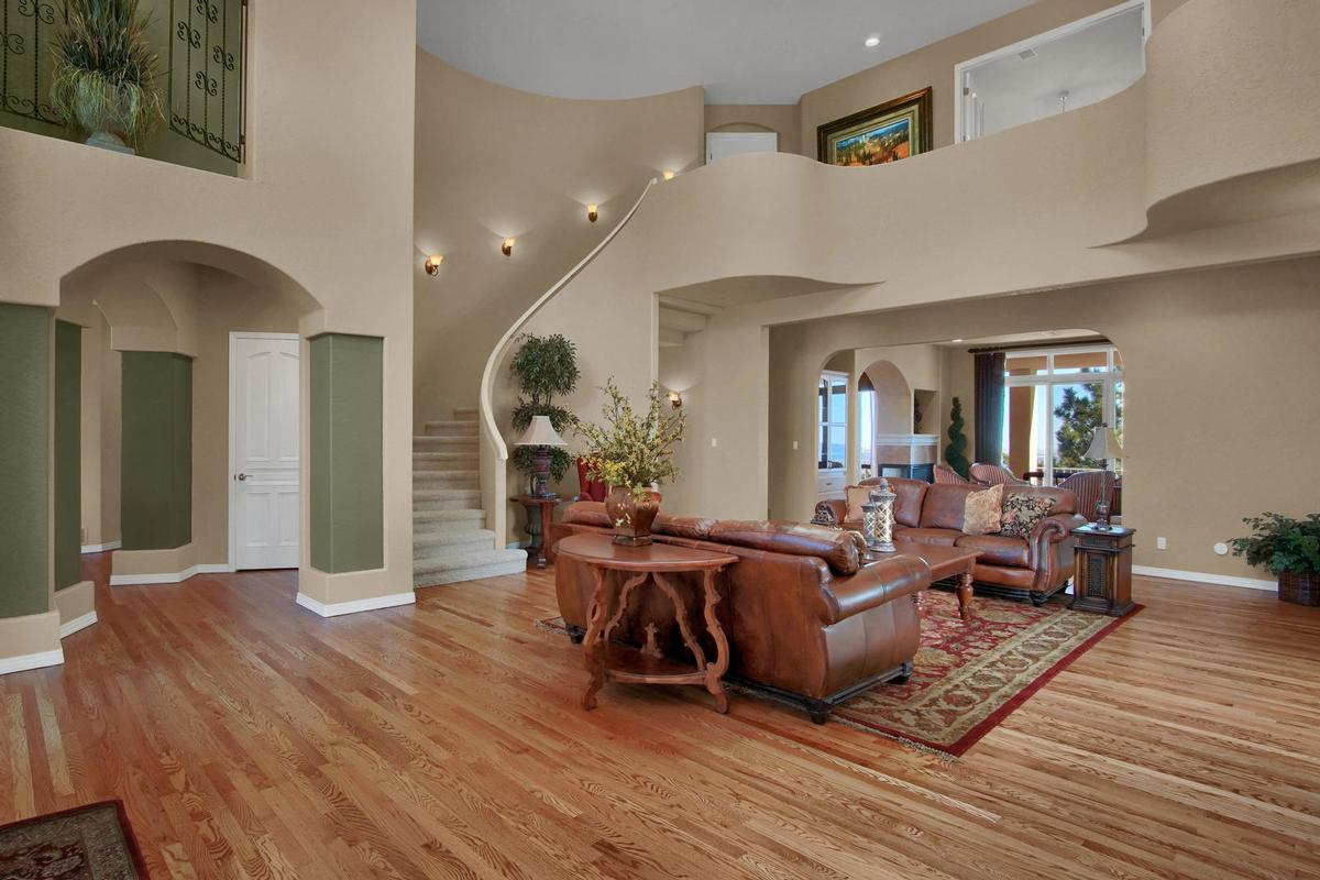 Mansions SPECTACULAR TWO STORY WITH TOP OF THE WORLD VIEWS
