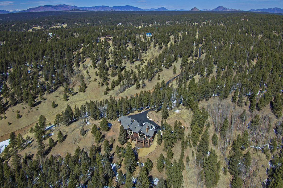 Luxury properties Extremely private Colorado Mountain Estate