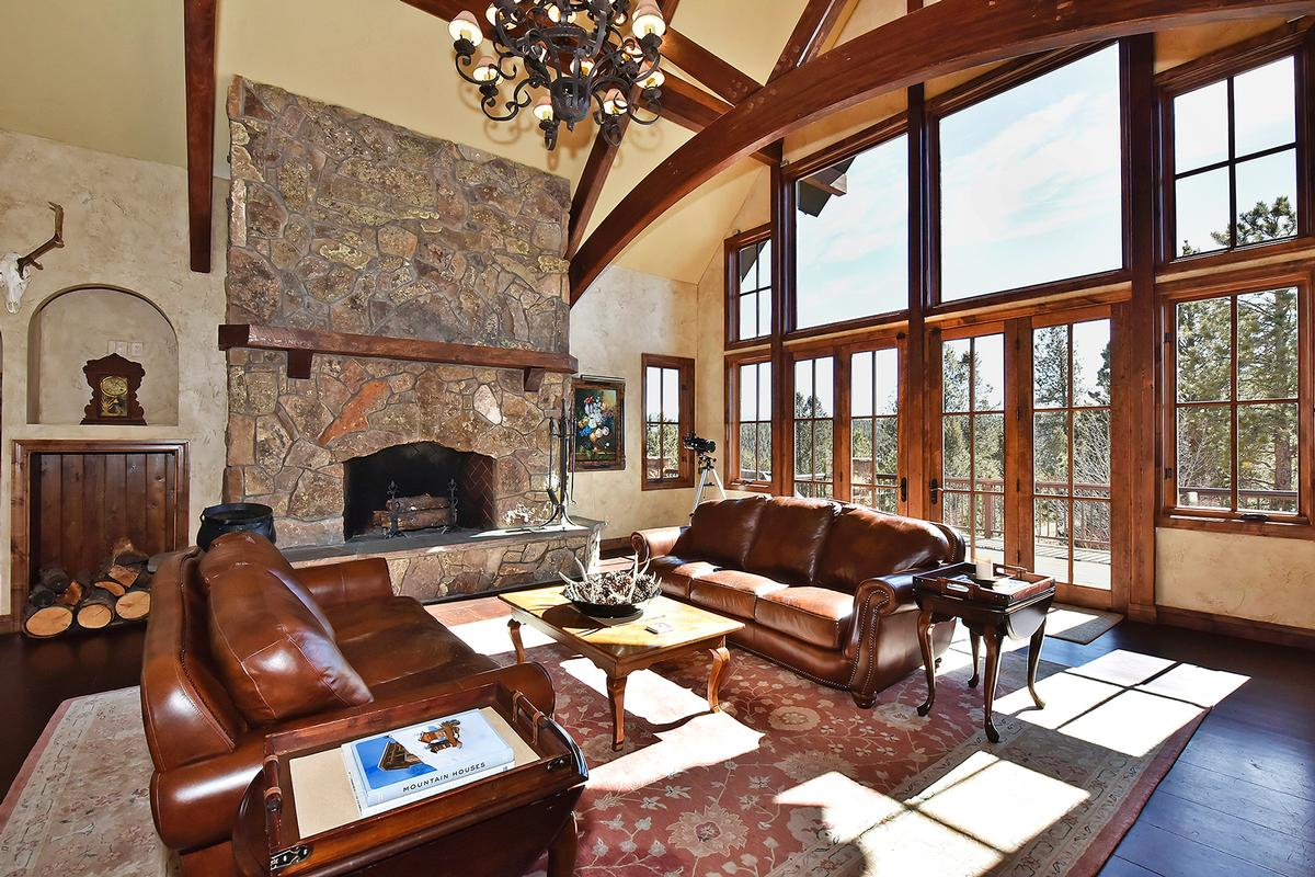 Mansions Extremely private Colorado Mountain Estate