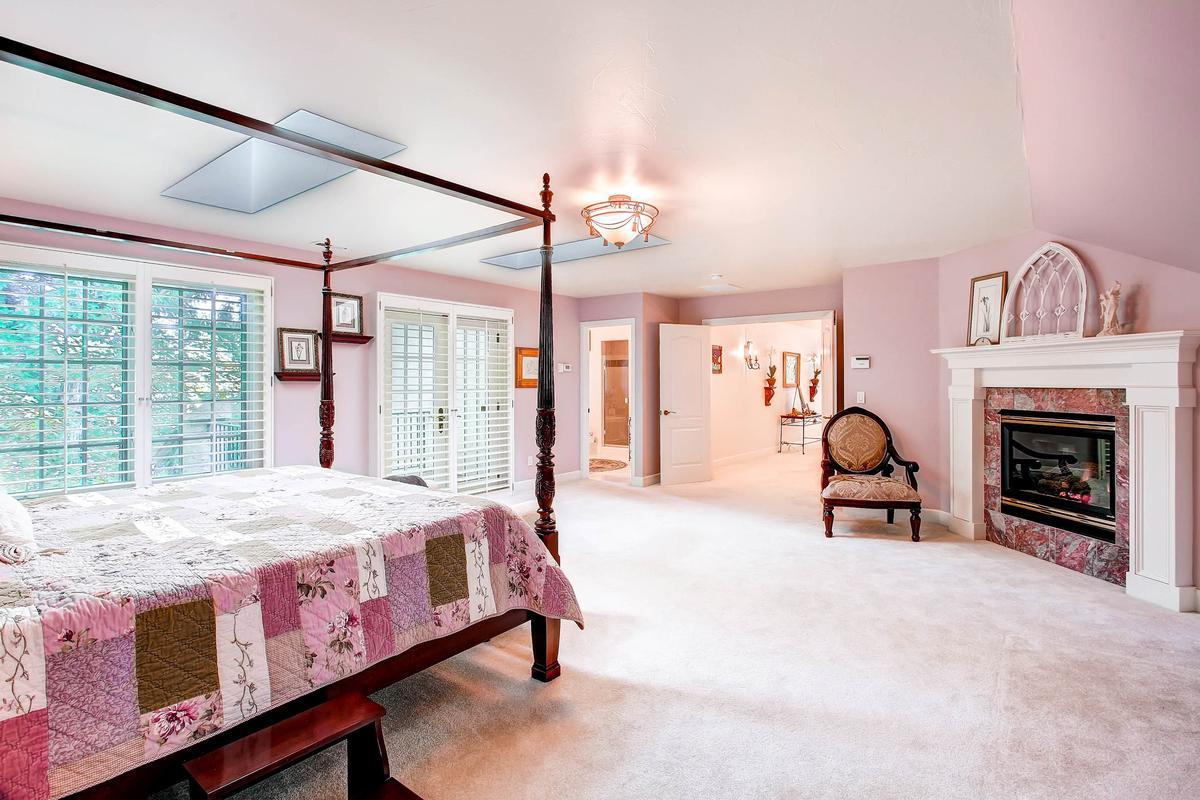 Luxury real estate Private Broadmoor Estate on Prime Lot