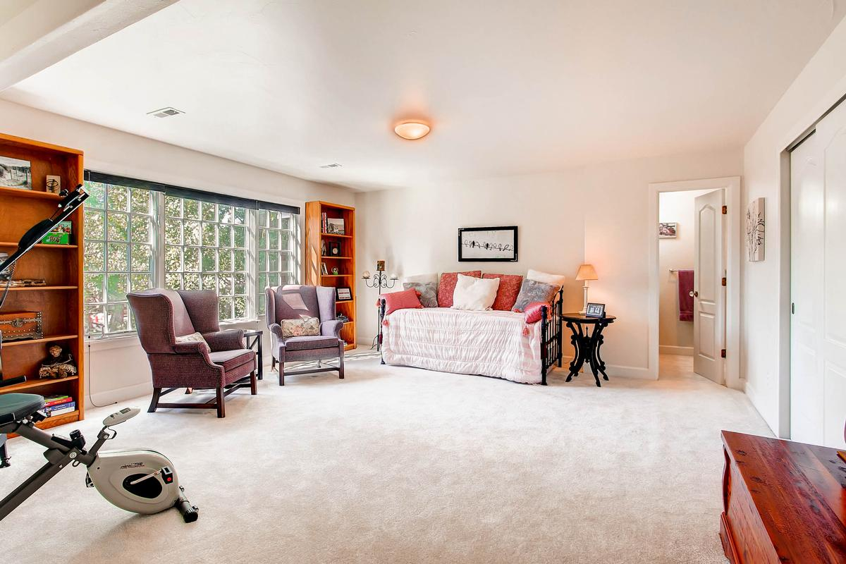 Private Broadmoor Estate on Prime Lot luxury properties