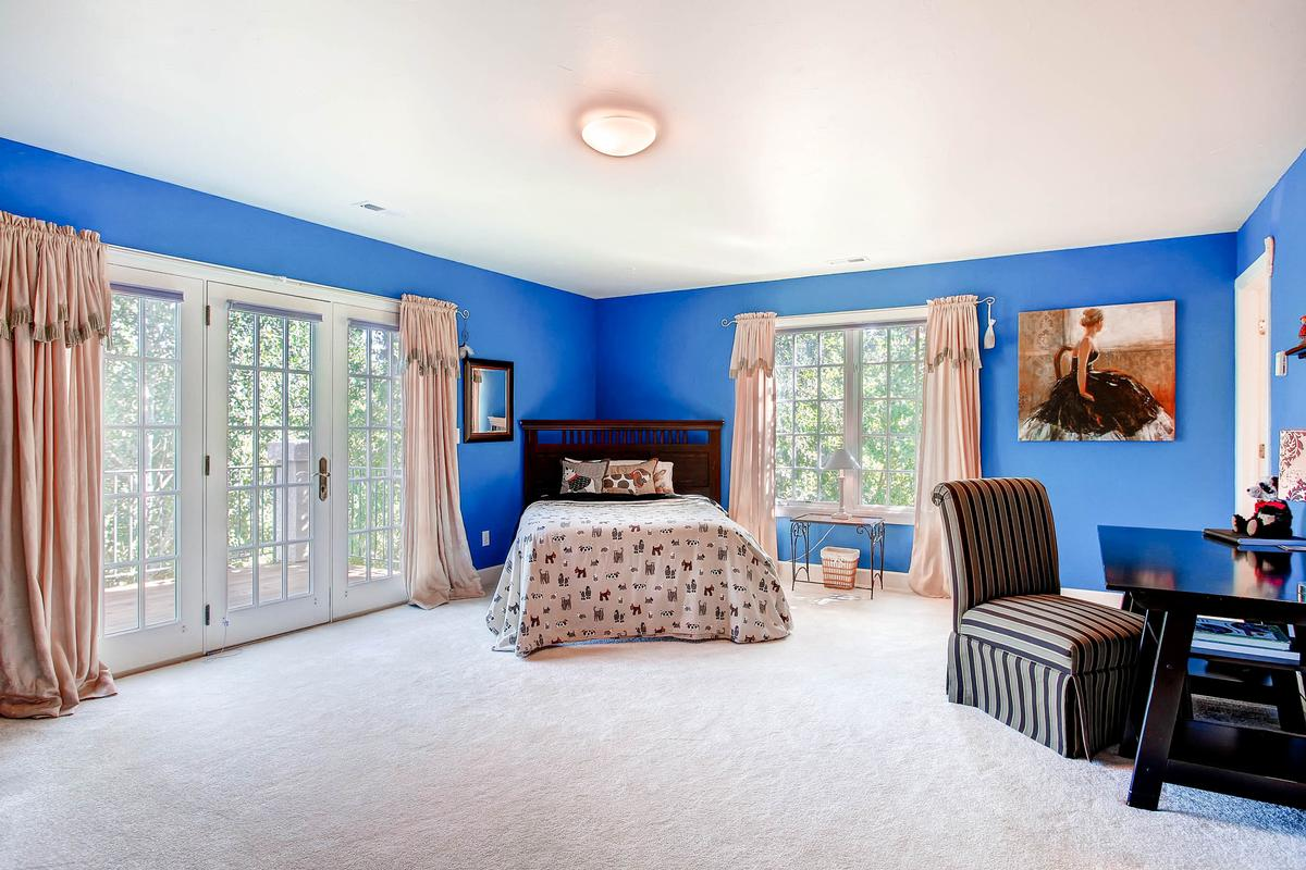 Mansions Private Broadmoor Estate on Prime Lot
