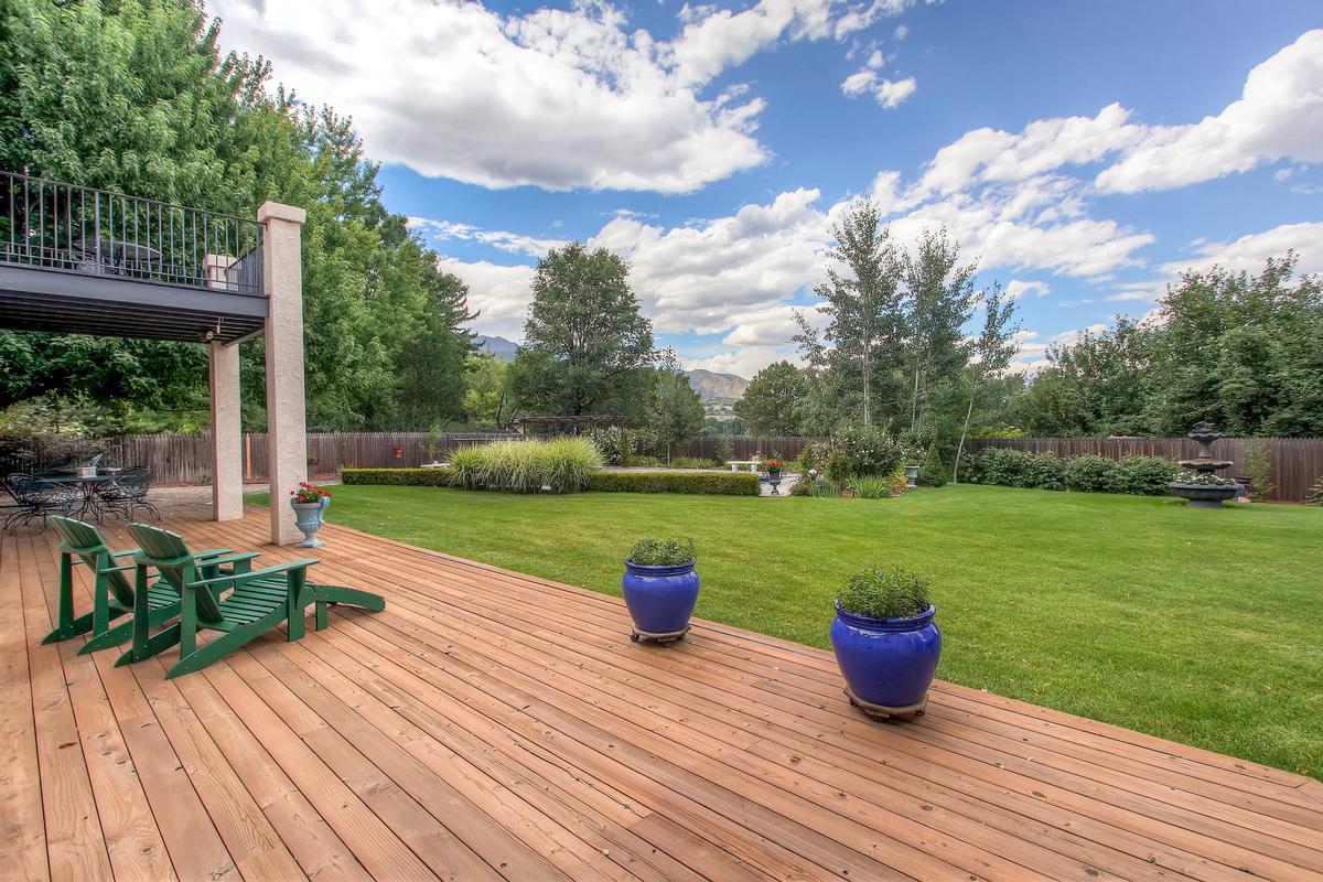 Private Broadmoor Estate on Prime Lot luxury homes