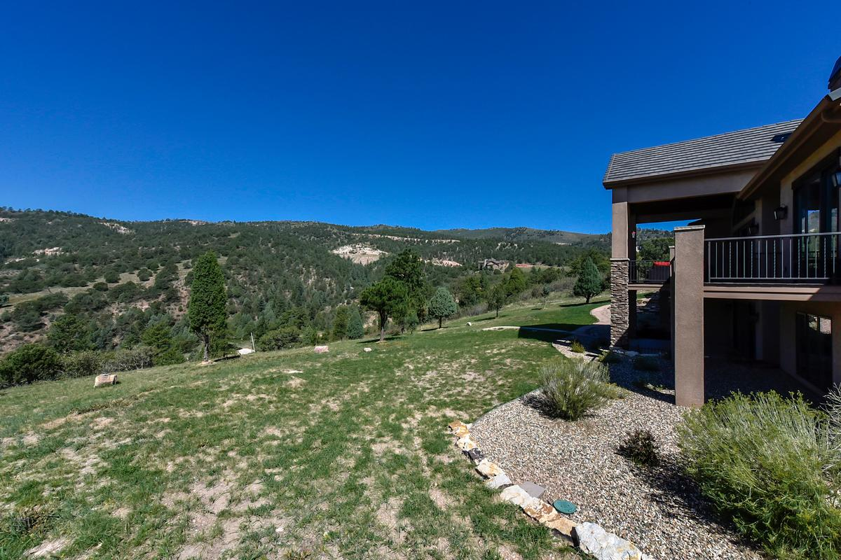 Luxury real estate Outstanding ranch style home on 1.3 acres