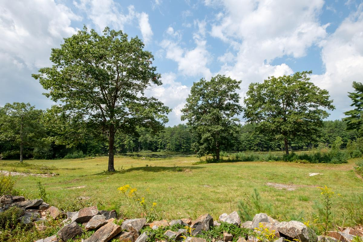 Private Home abuts 4,000 acres conservation land luxury real estate