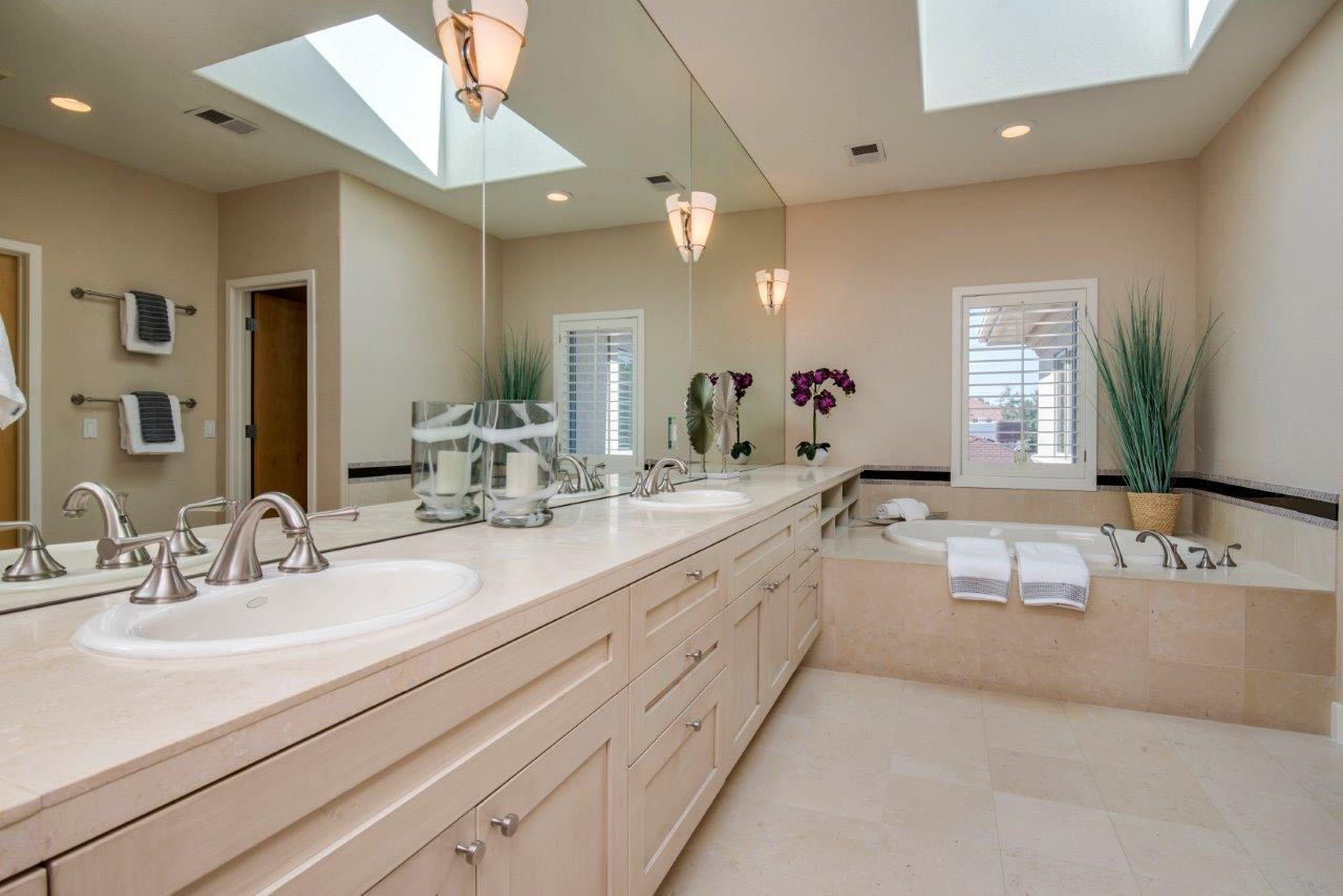 Luxury homes in Magnificent Home Will Not Disappoint