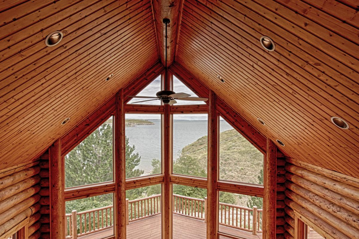 Mansions Luxury Log Home at Lake McConaughy
