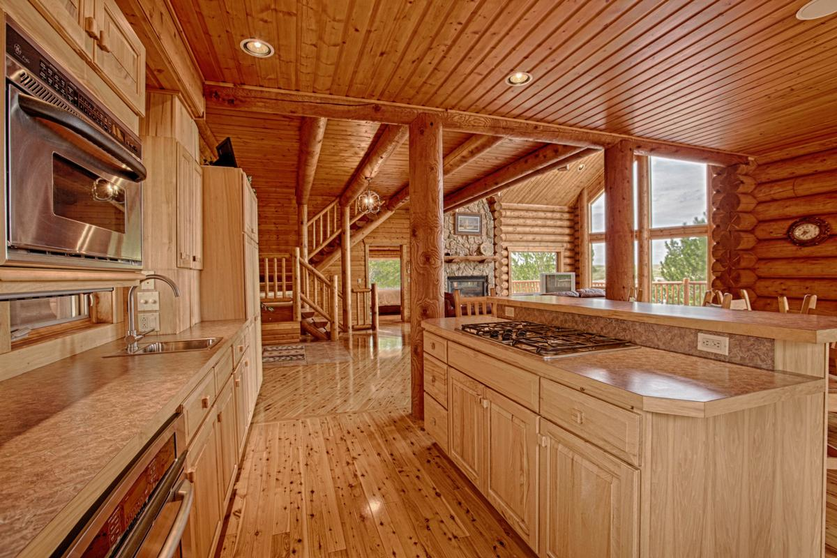 Luxury real estate Luxury Log Home at Lake McConaughy