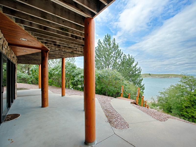 Mansions in Luxury Log Home at Lake McConaughy