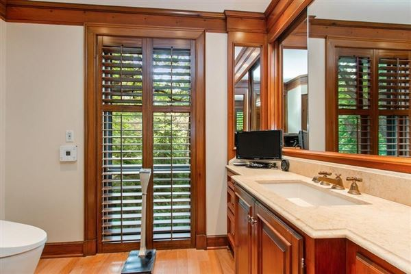 Spectacular custom all brick home in prime Mission Hills  luxury homes