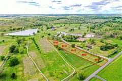 Luxury homes in a beautiful lot to build a dream home