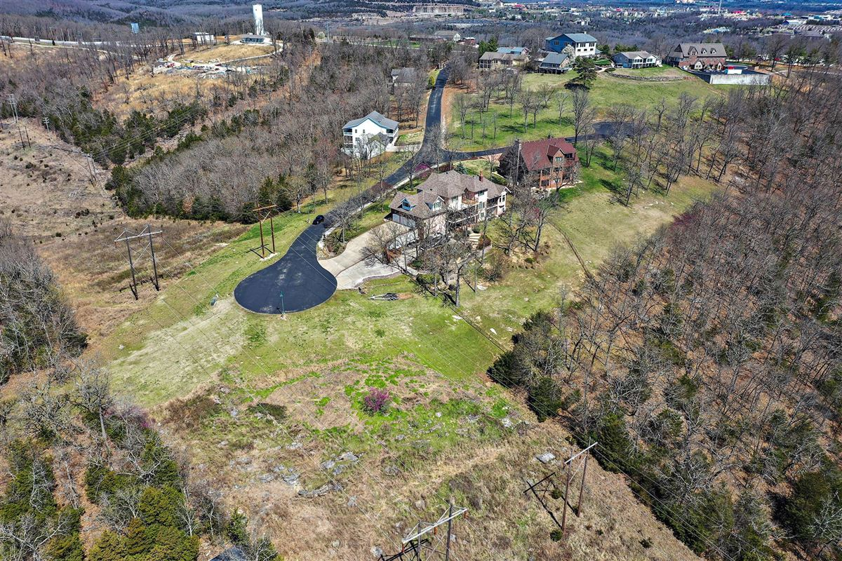 Luxury real estate Beautiful executive estate located on Table Rock Lake