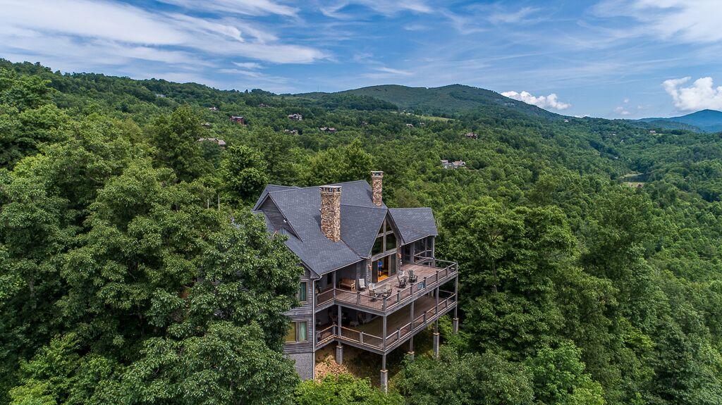 Luxury real estate Ridgetop Estate