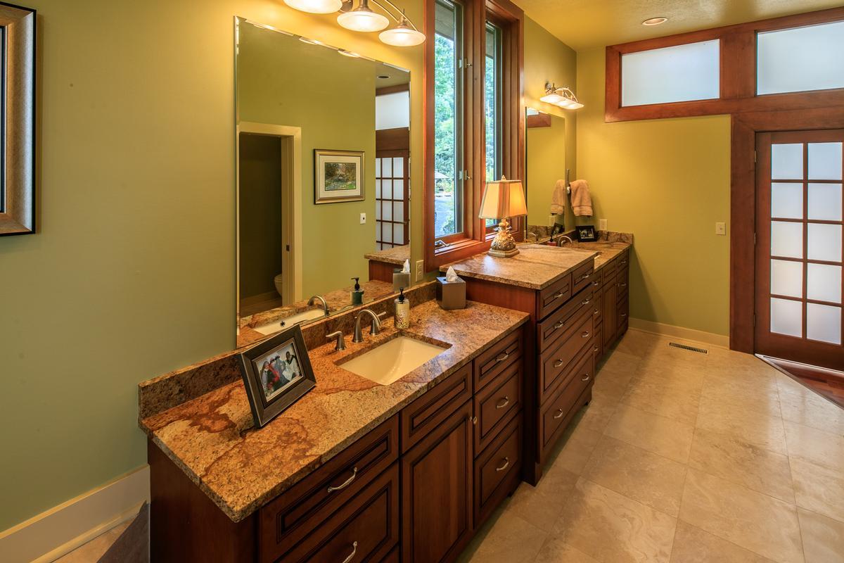 910 Dutch Creek luxury real estate