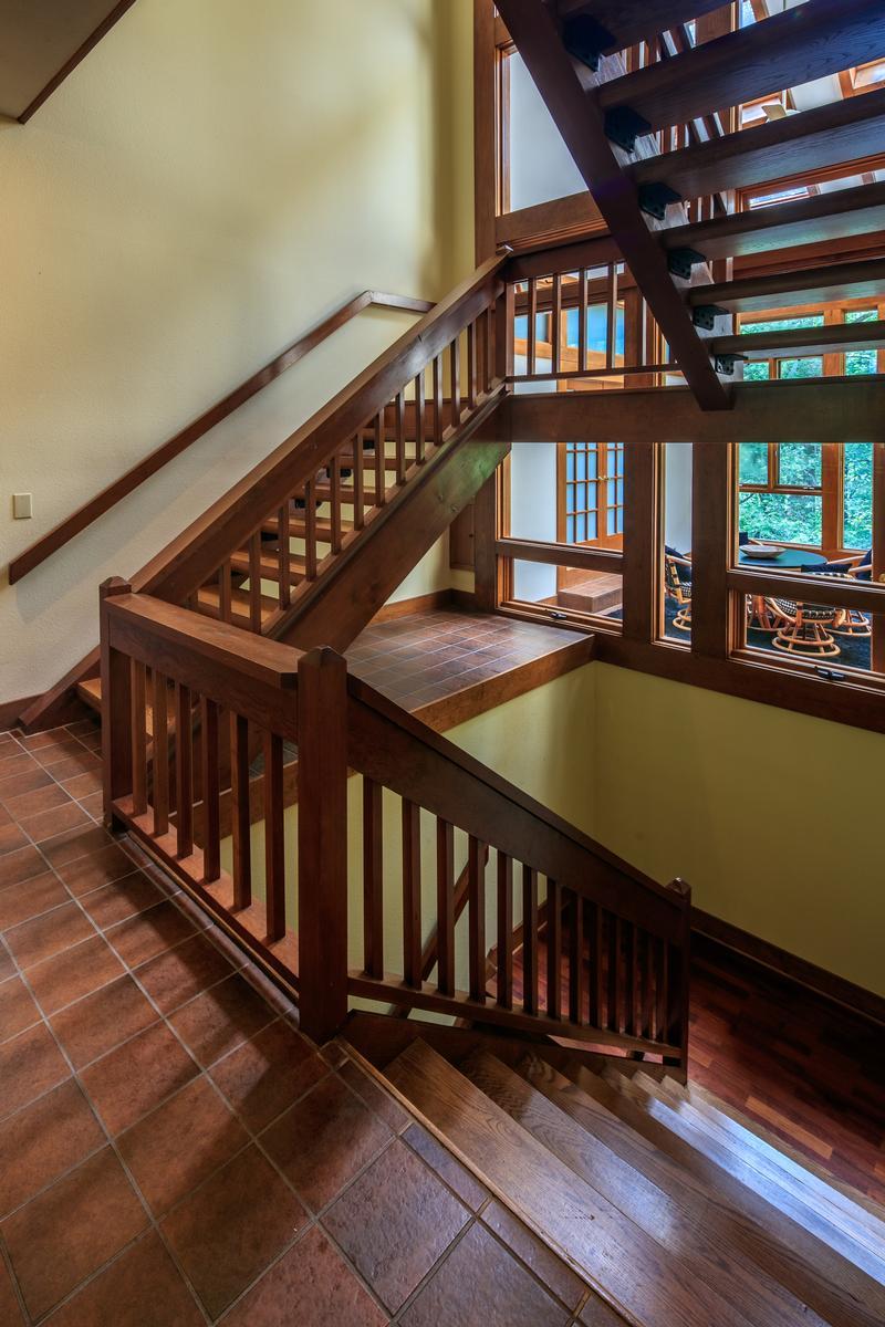 910 Dutch Creek luxury properties