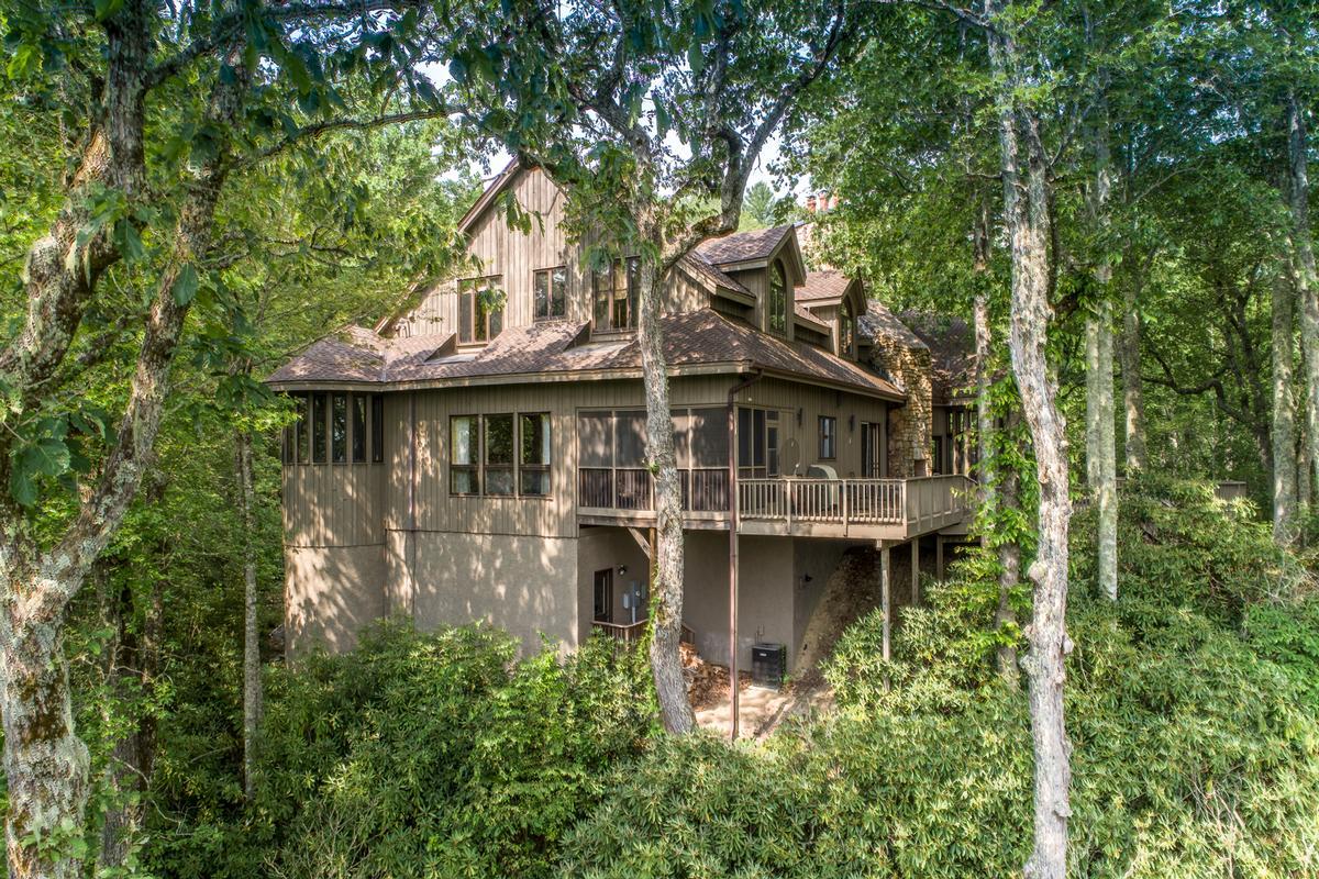 Mansions 910 Dutch Creek