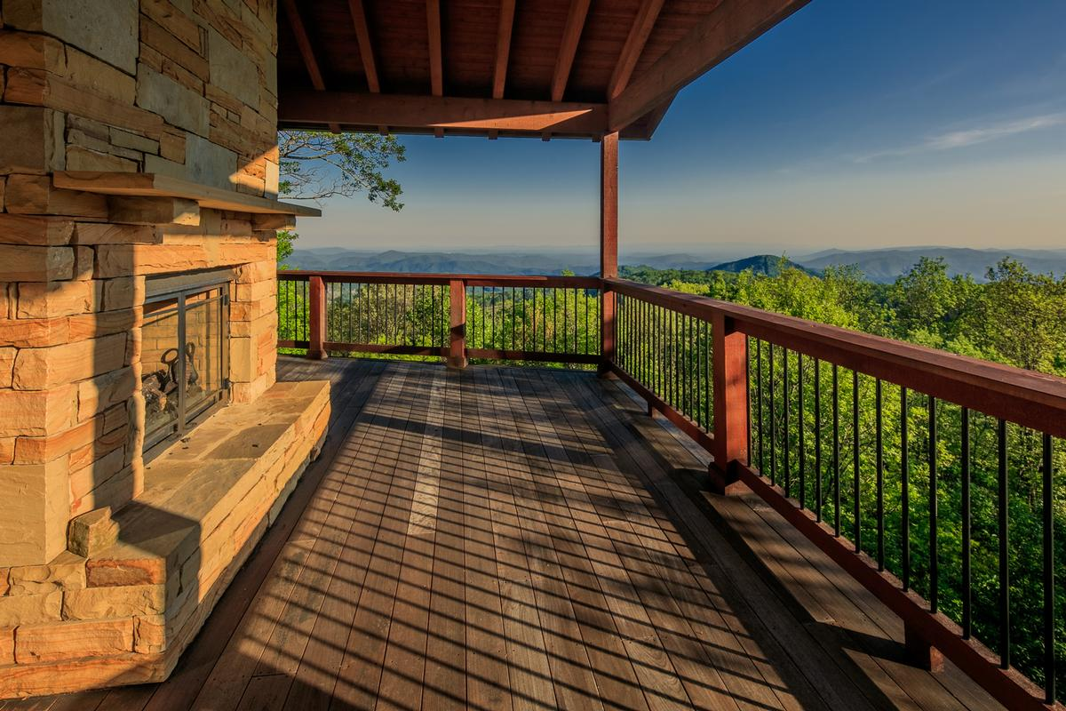 Luxury homes in Panoramic Views of John River Gorge