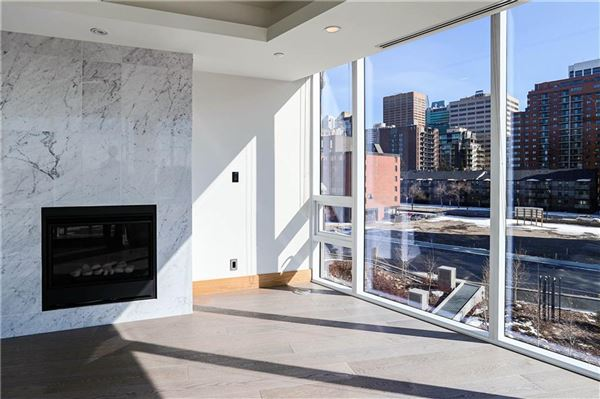 luxury riverfront living mansions