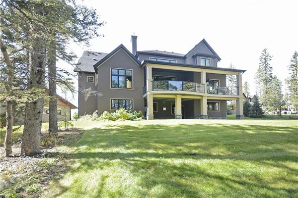 Luxury properties gorgeous home in Priddis Greens