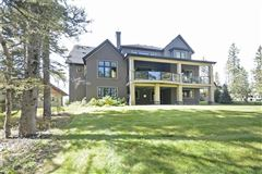 gorgeous home in Priddis Greens luxury homes