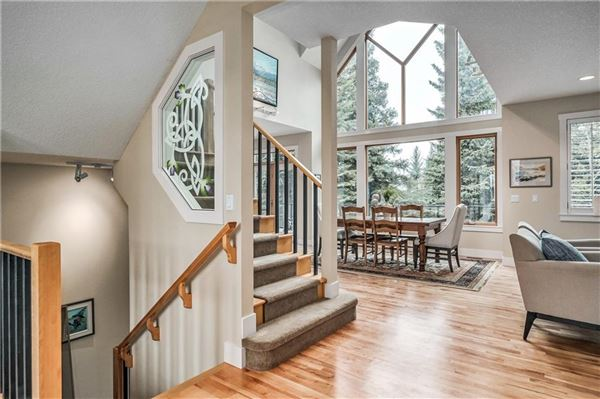 sought after location in Discovery Ridge luxury properties