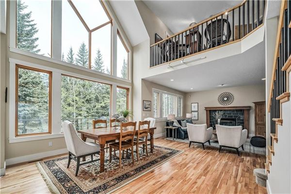 Mansions sought after location in Discovery Ridge