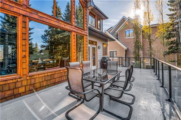 Luxury properties sought after location in Discovery Ridge