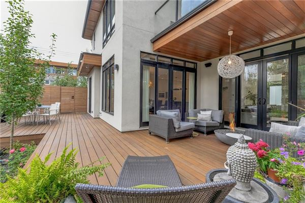 Luxury homes in the hidden gem of Stanley Park