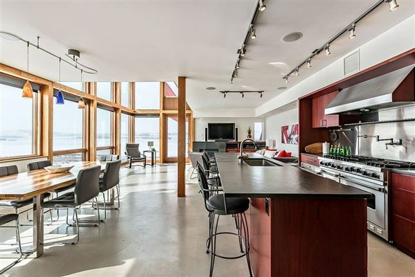 MASTERPIECE by JEREMY STURGESS - FAMOUS AWARD-WINNING CANADIAN ARCHITECT luxury real estate
