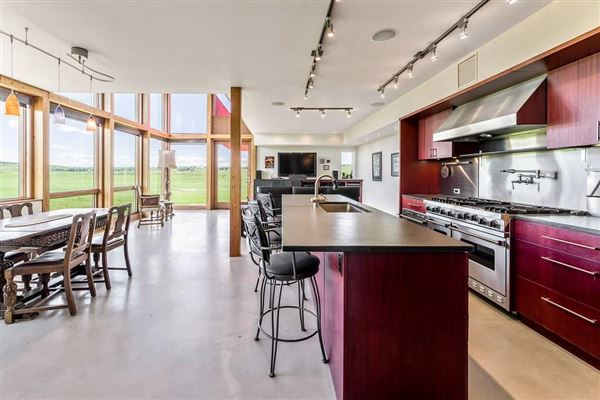 Luxury real estate contemporary home in Canada