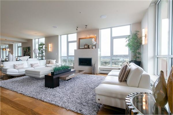 Luxury homes magnificent penthouse living in Ovation