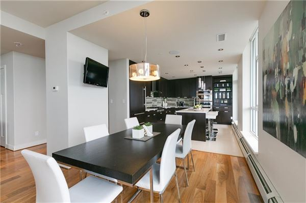 Luxury properties magnificent penthouse living in Ovation