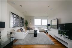 magnificent penthouse living in Ovation mansions
