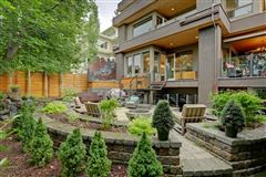 This executive family home in Elbow Park mansions