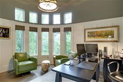 Mansions in This executive family home in Elbow Park