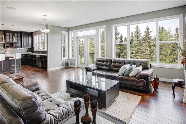 prestigious community of Aspen Woods luxury real estate