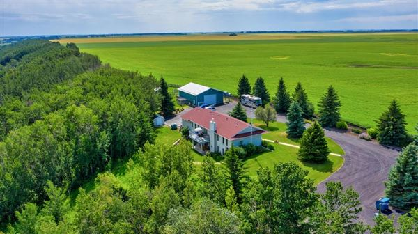 this fantastic property boasts amazing mountains and coulee views luxury real estate
