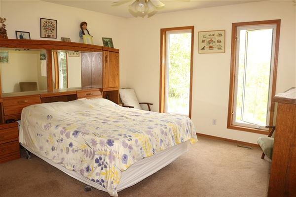 Luxury homes this fantastic property boasts amazing mountains and coulee views