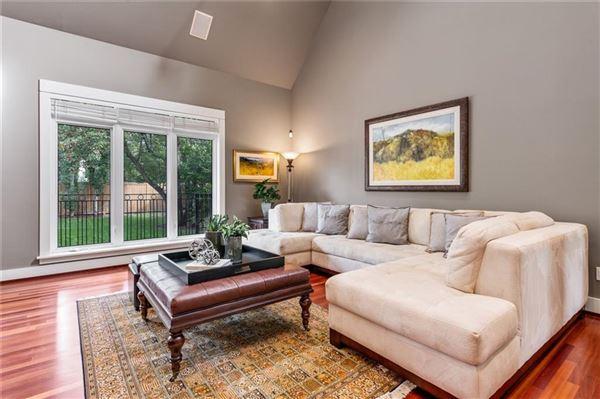 an exclusive Upper Elbow Park enclave luxury properties