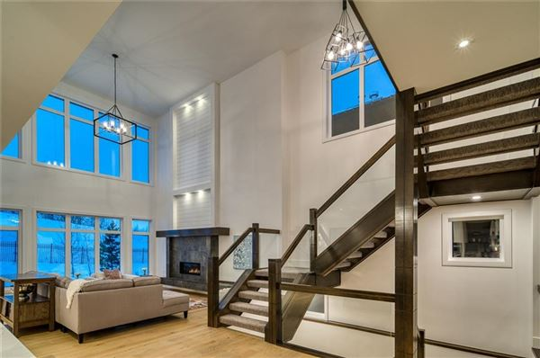 Luxury properties SOPHISTICATED ARCHITECTURE