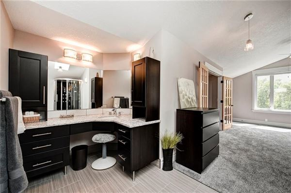Mansions in phenomenal home in calgary