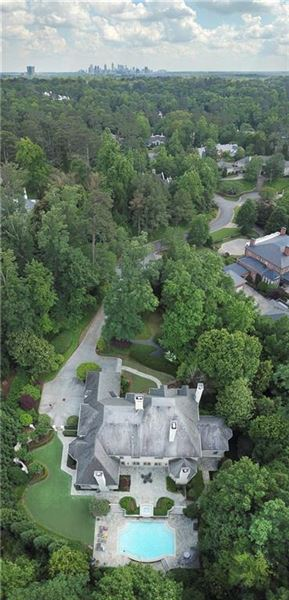 COMPLETELY Renovated entertainers delight mansions