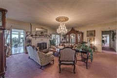 Luxury properties 66 acre equestrian estate