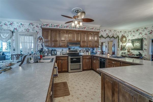 Luxury homes in 66 acre equestrian estate