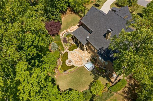 Luxury real estate Overlook at Marietta Country Club - Golf Club Community