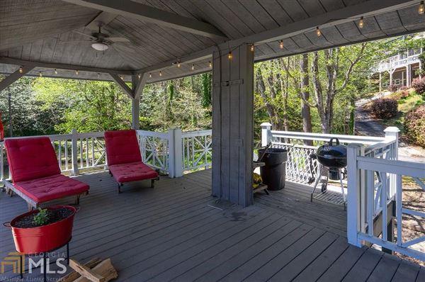 cedar shake cottage on Lake Burton mansions