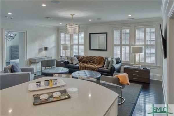 Luxury properties Saussy Mansion